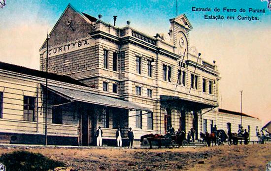 Edifício Estação, Museu Ferroviário de Curitiba na praça Eufrásio Corrêa